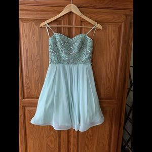 Homecoming dress short size 3